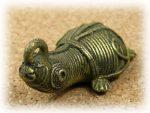 インド先住民族ドクラの鋳造工芸品 ミニ動物 カメ MTB-1073