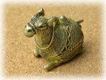 インド先住民族ドクラの鋳造工芸品 ミニ動物 ラクダ MTB-1163