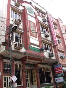 インドの中級ホテル