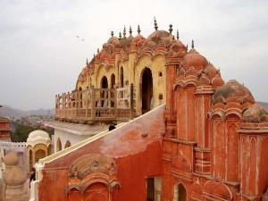 インド・ジャイプールの風の宮殿