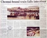 インド、鉄道事故を報じる新聞