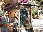 インド、街角のサトウキビジュース屋