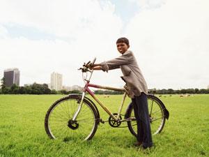 インド・少年の自慢の自転車
