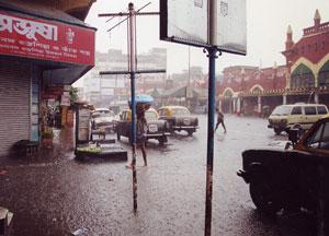 インド・雨季のコルカタ