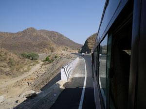 インド・ウダイプールからマウントアブーへのバス