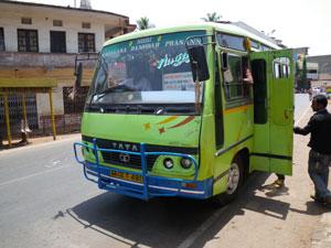 インド・ゴア州マルガオのバス