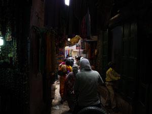 インド、ヴァラナシの路地