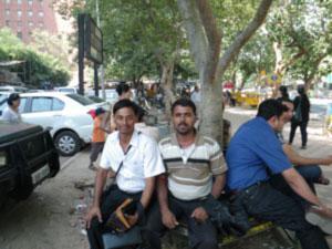インド、デリーの路上の売り子