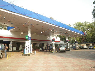 インドのガソリンスタンド
