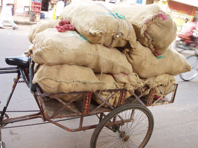 インドのサイクルリキシャ型運搬車両