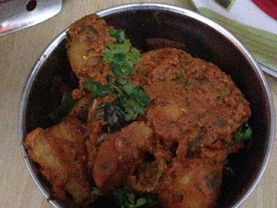インド、ブジのガイド氏宅での食事