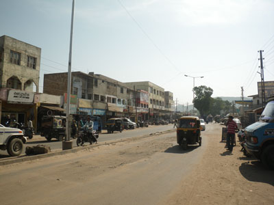 インド、ブジの大通り