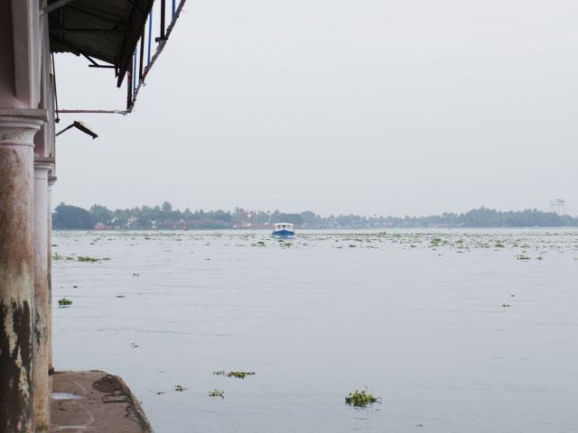 南インド、ケララ州、フォートコーチンのフェリー