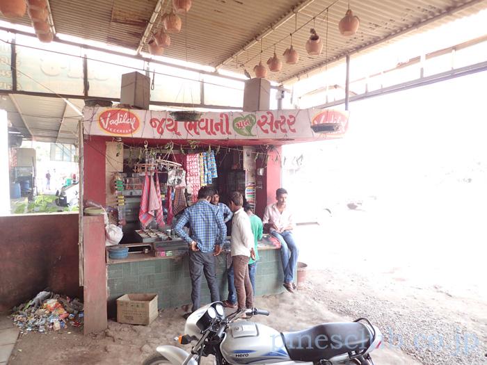 インド・ドライブインの鳥の巣箱