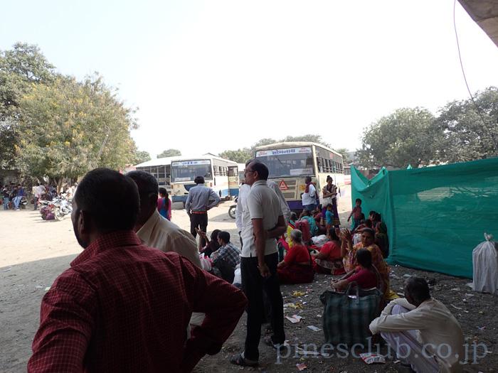インド・グジャラート州ウナのバススタンド