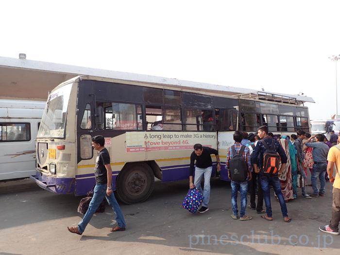 インド・ディウのバススタンド