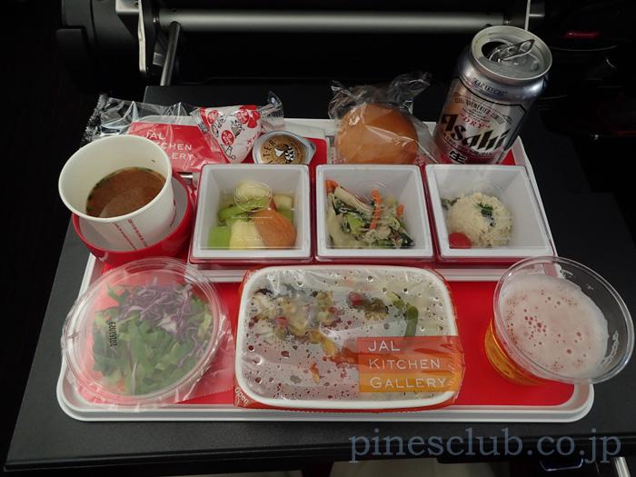 日本航空デリー便、プレミアム・エコノミーの機内食