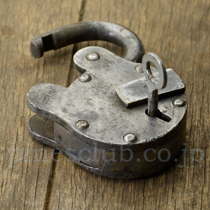 インドの古い南京錠