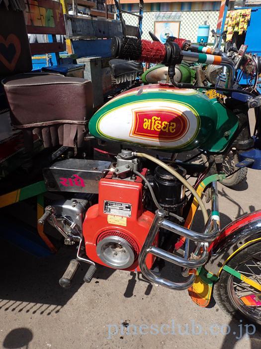 インドのバイク型三輪トラックのエンジン
