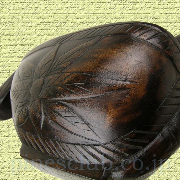 インド雑貨、ニワトリ形の木彫りボウル