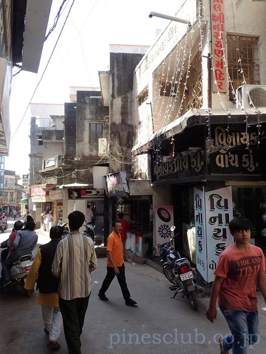 インド、ジュナーガルのバザール