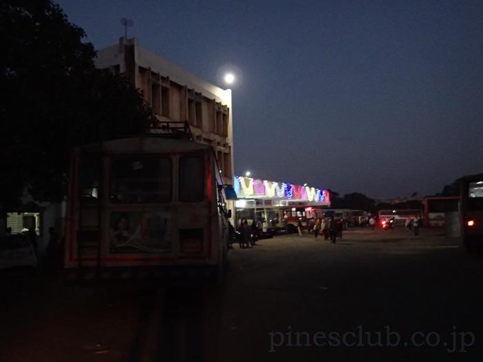 インド、ジュナーガルのバススタンド