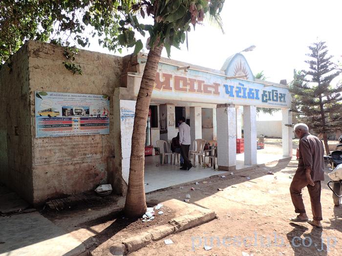 インド、グジャラート州ドワルカ近くの茶店