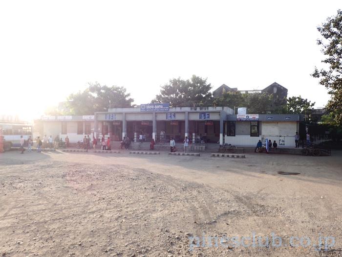 インド、グジャラート州バントヴァのバススタンド