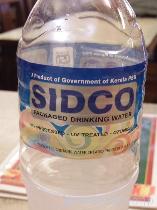 インドのペットボトル入り飲料水