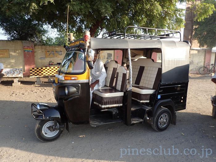 インド、グジャラート州ドワルカのオートリキシャ
