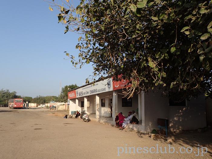 インド、グジャラート州ドワルカのバススタンド