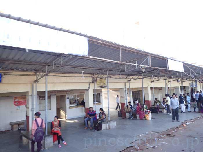 インド、グジャラート州、モルビのバススタンド