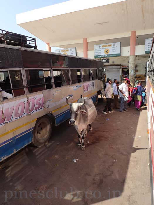 インド、グジャラート州、バチャウのバススタンド