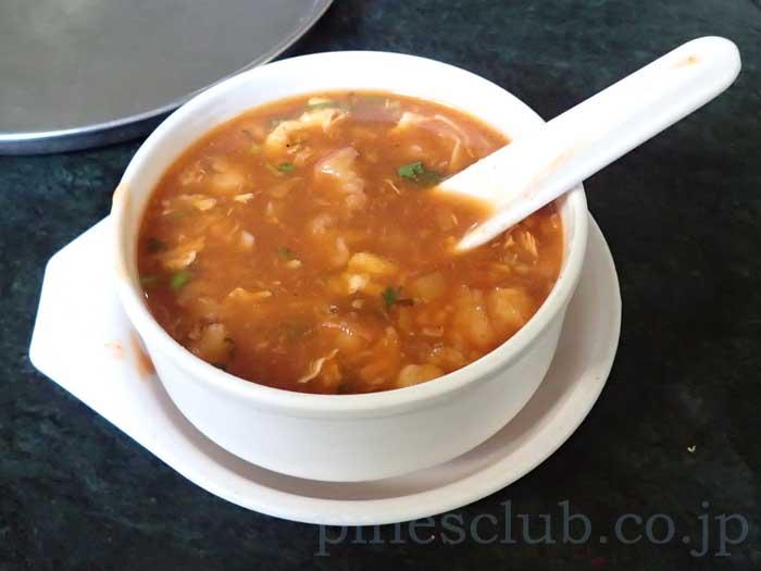 インドのチキン・ホット&サワースープ