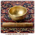 インド・真鍮製のシンギングボウルでヒーリング