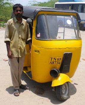 インド・過去最遅のオートリキシャ
