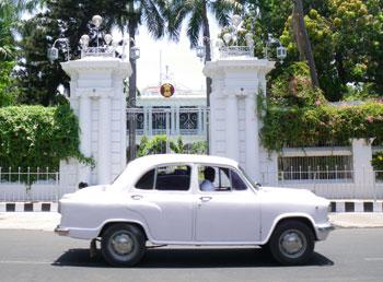 インドの名車アンバサダー