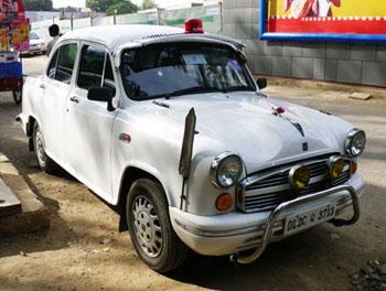 インド・アンバサダーのパトカー