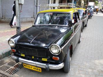 インド・パドミニのタクシー